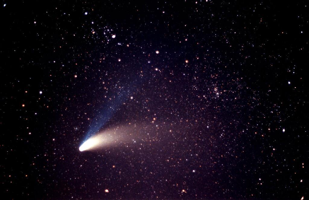 featherston images of comet hale bopp. Black Bedroom Furniture Sets. Home Design Ideas